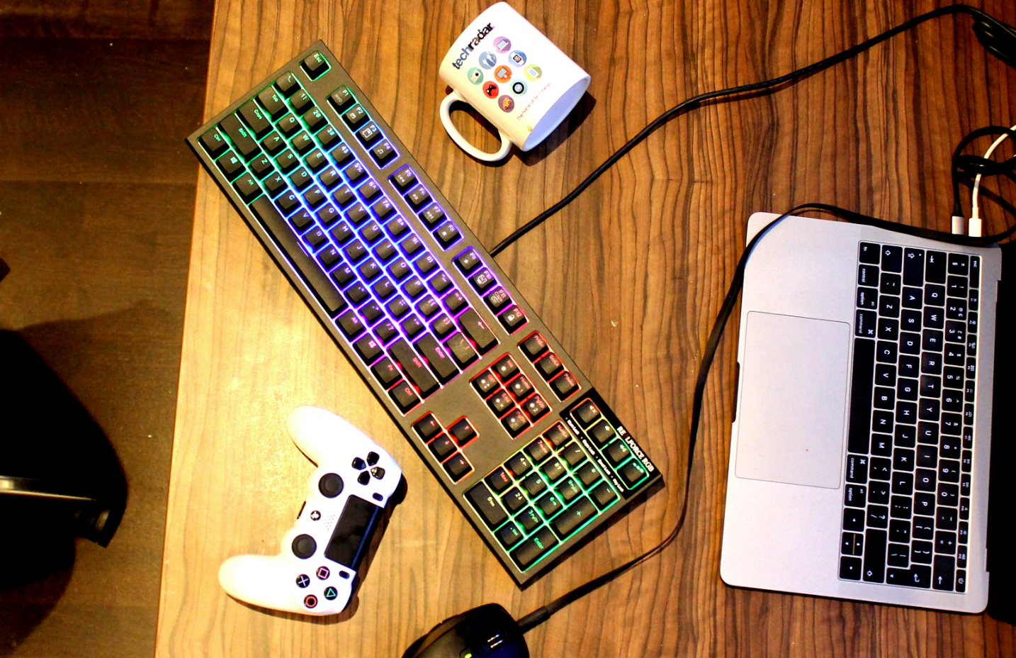 Wireless vs Wired Keyboard and Mouse For Gaming
